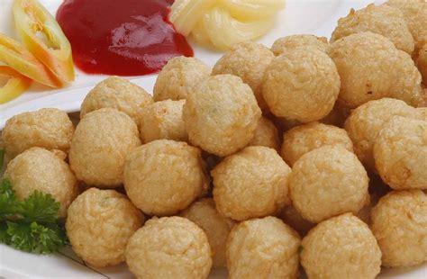 membuat bakso isi daging cincang 7 resep dan cara membuat olahan bakso udang goreng