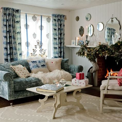 country homes and interiors christmas make the most of textures country christmas decorating