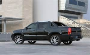 2007 Cadillac Escalade Pictures Car And Driver