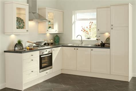 Kitchen Design And Color White Kitchen Designs White Stained Wooden Kitchen Cabinet Paint Accent Kitchen Wall Colors
