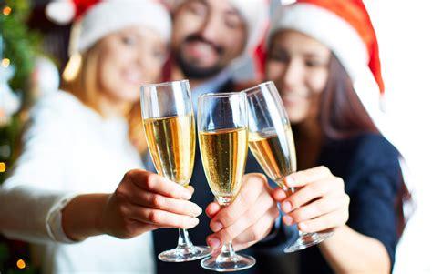 capodanno in casa festa di capodanno in casa 5 idee per ravvivare la serata