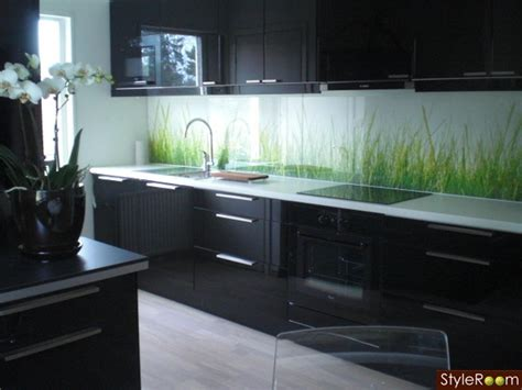 black cabinet kitchen ideas
