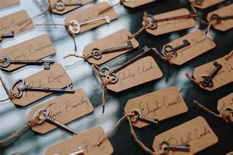 how to make event escort cards three variations kin diy unique escort cards to impress your guests modwedding