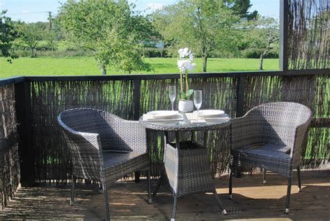 luxury kent downs holiday cottages with pool at frith farm