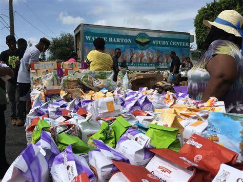 Wayne Barton Food Giveaway - food giveaway in deerfield beach stocks cupboards of needy sun sentinel
