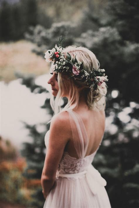 Best 25  Wedding dress straps ideas on Pinterest   Simple