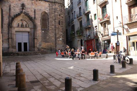 barcelona quarters barcelona gothic quarter streets and squares beautiful