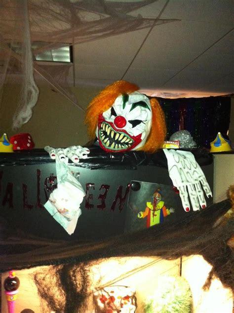 halloween themes for work best 25 halloween cubicle ideas on pinterest halloween