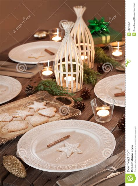 Dining Room Table Christmas Decoration Ideas christmas table setting rustic style natural decorations