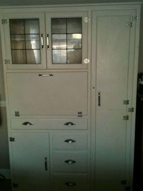 1940s kitchen cabinets 1000 images about moveis antigos on pinterest hoosier cabinet tvs and vintage vanity