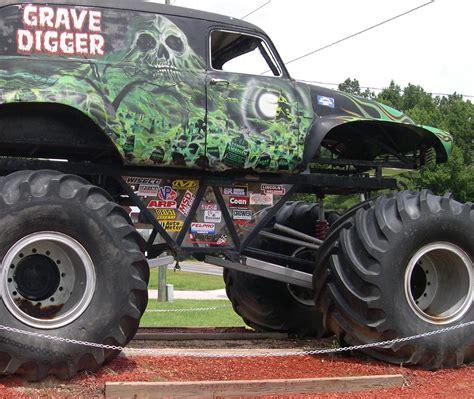 original grave digger monster truck grave digger monster truck 4x4 race racing monster truck