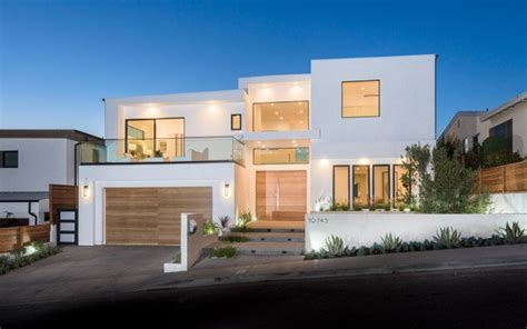gallery featured  tv show million dollar listing