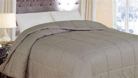 Best Lightweight Alternative Comforter by Lightweight Alternative Comforter