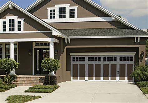 Clopaydoor Residential Garage Doors Exles Residential Modern Style South Dakota Overhead Steel Carriage House Garage Doors Clopay 174 Coachman Collection