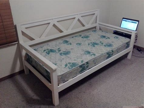 Classic Daybed Do It Yourself Furniture