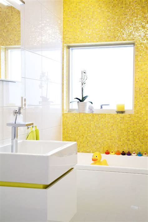 33 Yellow And White Bathroom Tiles Ideas And Pictures Yellow Tile Bathroom Ideas