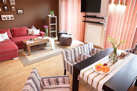 spacious 3 bedroom sleeps 8 dt mtl apartments for rent spacious 3 bedroom kazimierz apartment vrbo
