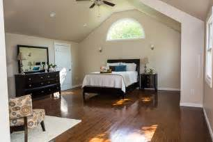 vaulted ceiling in master suite half moon window julie chrissis suggested painting the