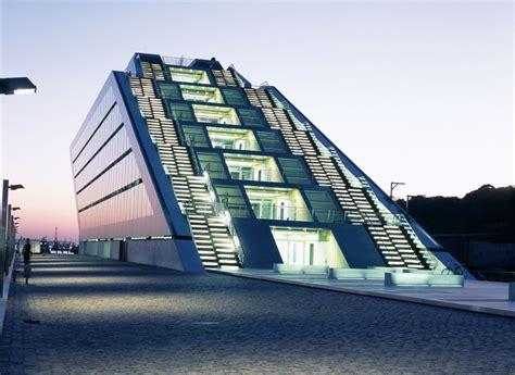 Teherani Architekt by Hadi Teherani