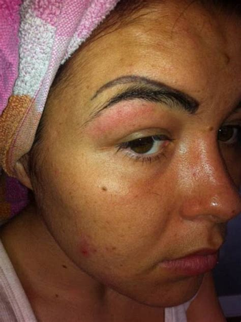 tattooed eyebrows gone wrong delsha cbell left with four eyebrows after beautician