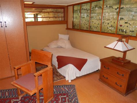 frank lloyd wright bedroom chaos and zen in spring green wisconsin by travel
