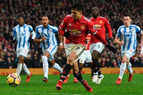 alexis sanchez vs brighton epl alexis sanchez scores as manchester united beat