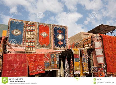 teppiche marrakesch marokkanische teppiche f 252 r verkauf stockfotos bild 7341293