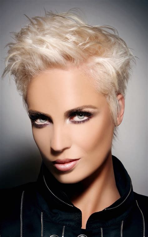 25 Hottest Pixie Haircuts for Short Hair   Hair Fashion Online