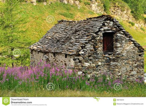 old stone house old small stone houses www imgkid com the image kid has it