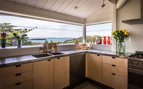 reve de cuisine agencement cuisine de r 234 ve avec vue sur la mer et l oc 233 an