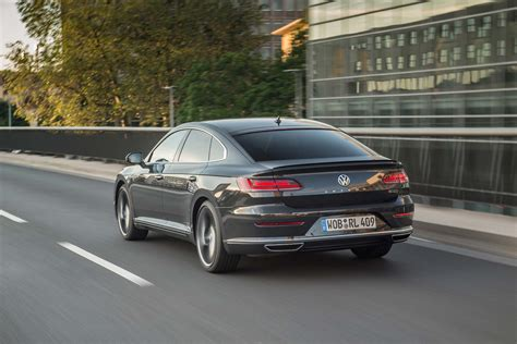volkswagen arteon rear 2019 volkswagen arteon r line rear three quarter in motion