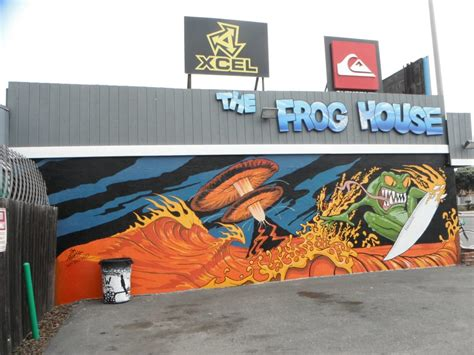 The Frog House Surf Shop 36 Photos Sports Wear 6908 The Frog House Newport