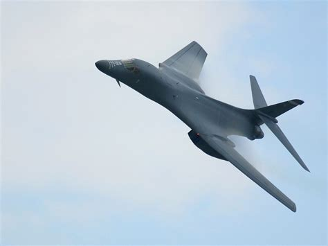 B1 On my free wallpapers vehicles wallpaper b1 bomber