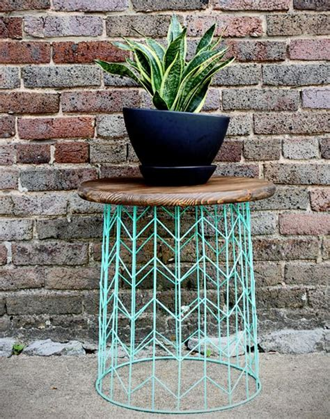 spray painting end tables 25 best ideas about diy end tables on pallet