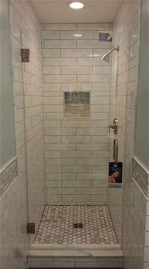 bathroom shower stall tile designs 25 best ideas about small showers on small