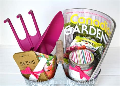 Sweet Simple Mother S Day Garden Gift Basket A Pretty Gardeners Gift Ideas