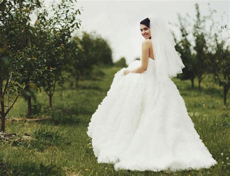 imagenes de vestidos de novia de los años 80 191 cu 225 nto mide el vestido de novia m 225 s largo del mundo