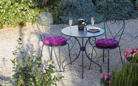 Bistro Chairs Design Ideas Splendid Bistro Chairs Decorating Ideas