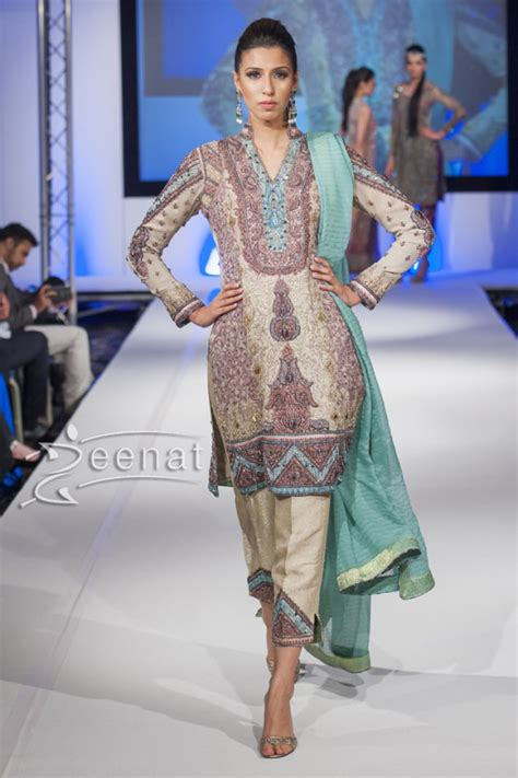 Shazia Kiyani Pakistan Fashion Show London 2014   Zeenat Style