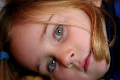 imagenes de ojos verdes claros violadoras del tiempo 191 de que color tienes los ojos