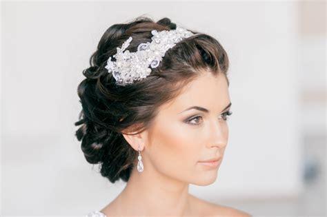 Hochzeitsfrisuren Mit Perlen by Brautfrisuren Offen Halboffen Oder Hochgesteckt 100