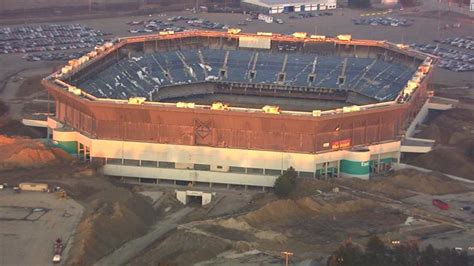 pontiac silverdome after failed attempted detroit s silverdome finally
