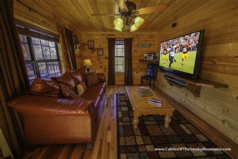 10 bedroom cabins in gatlinburg pigeon forge cabin grand getaway 4 bedroom sleeps 10