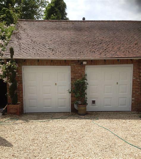 cat garage door cat door garage quot my cat got stuck in the garage door