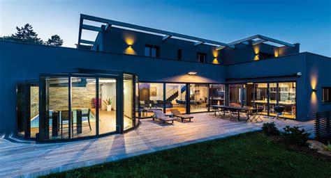 veranda qui s ouvre v 233 randa de luxe panoramique avec piscine
