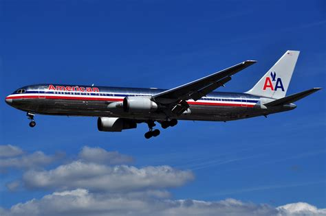 american airlines a wheelchair bound is suing american airlines for forcing to crawl to