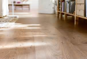Laminate Wood Flooring In Kitchen Best 11 Laminate Wood Flooring For Kitchens