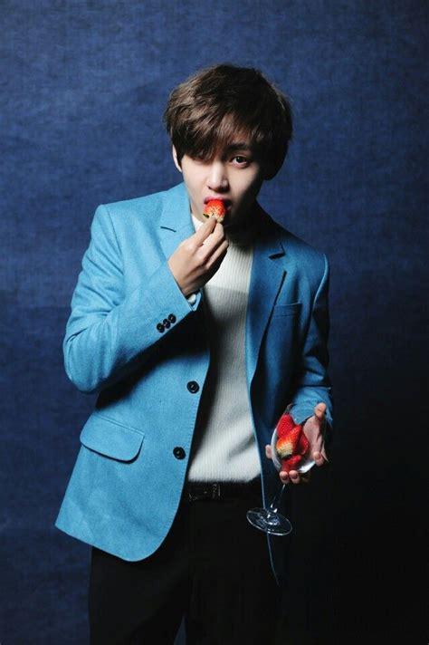 kim taehyung eating bts bangtan boys v kim taehyung bts pinterest