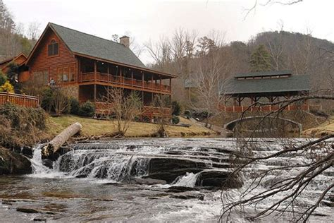 Cabins Gatlinburg Pigeon Forge by Pigeon Forge Vacation Rentals Cabin S Creekside