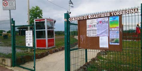 cabine telefoniche roma cabine telefoniche per il baratto di libri a roma la